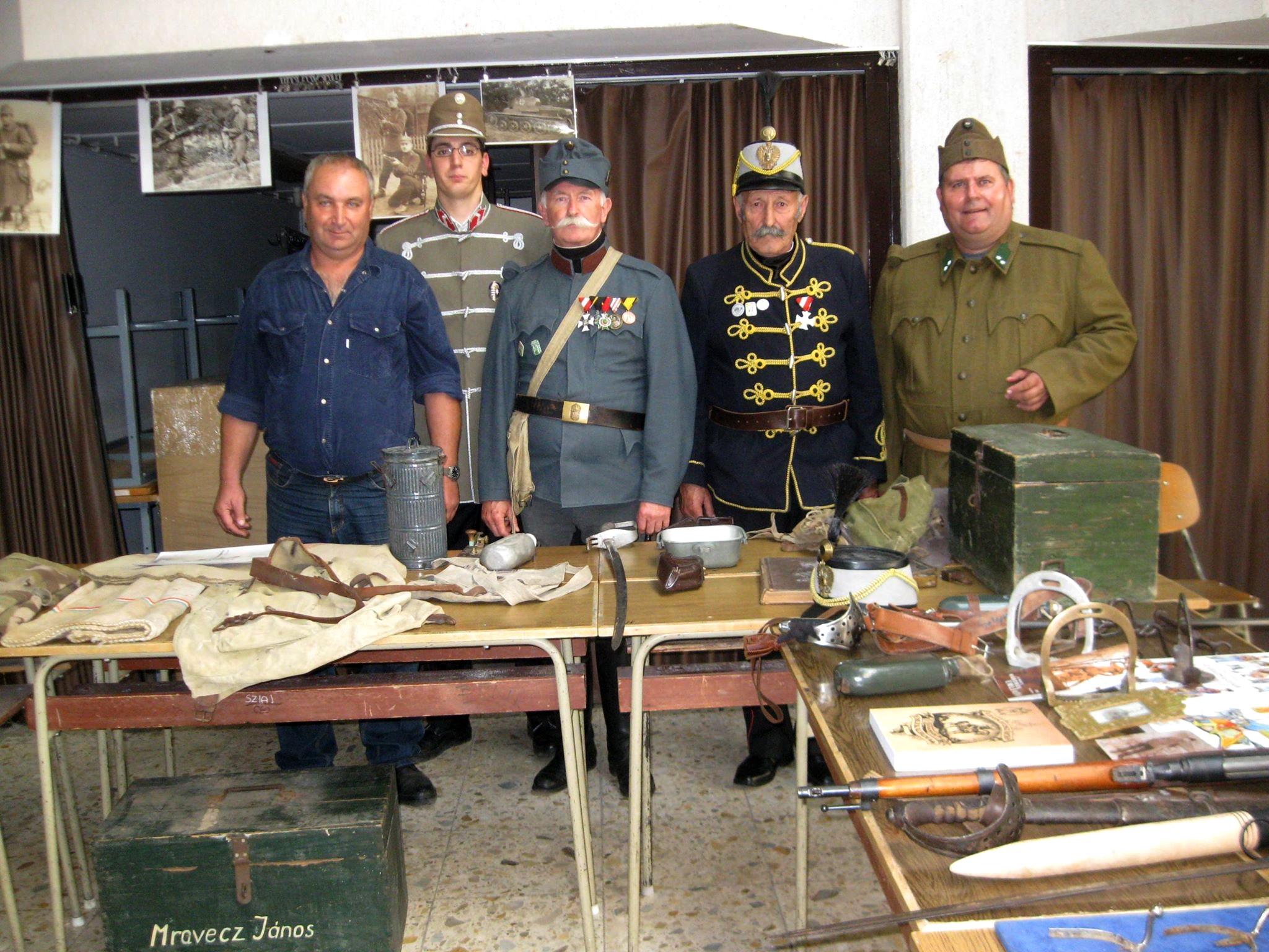 A Vitézi Rend Vas-Zala Megyei Törzskapitányság hagyományőrző csoportja  rendhagyó d13cc17a99